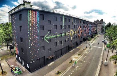Mind-Blowing-Mural-Made-with-Origami-Birds-in-Paris1-900x675