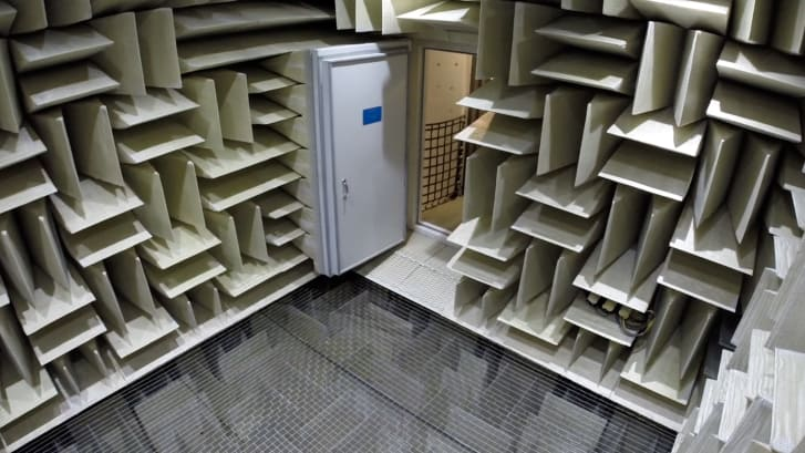 the anechoic room show n tell